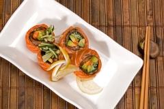 Salmon Sashimi Salad Roll