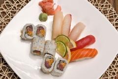 Sushi and Maki raw fish 11pcs